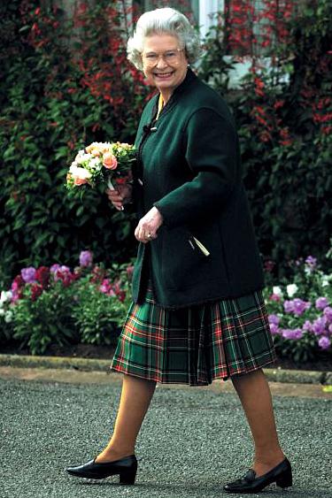 83a8336c67ce6 Queen Of England wearing Geiger Of Austria